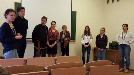 """""""Arinuška"""" bendravo su LEU rusų filologijos studentais"""