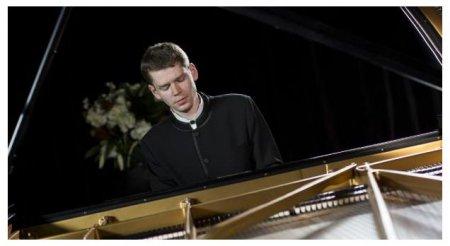 Вильнюс ждёт победителя международного конкурса пианистов в сиднее Андрея Гугнина